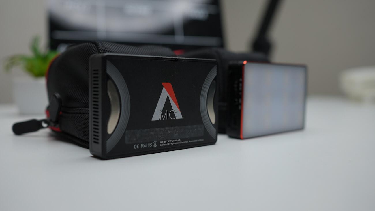 Aputure MC 2つの写真