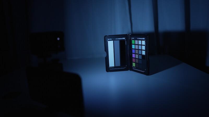 MicroLEDと青のディフューザー